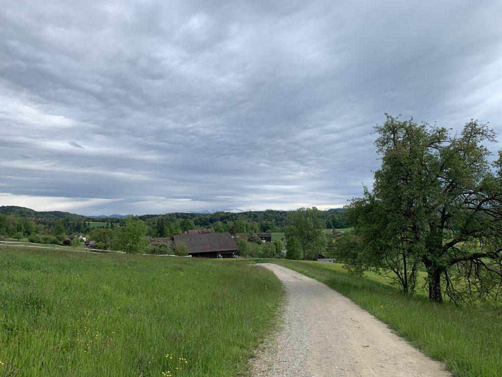 Landschaft mit weitem Himmel